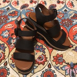 Naturalizer wedge shoes